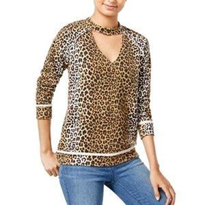 Selfie Cutout Leopard Print Sweatshirt
